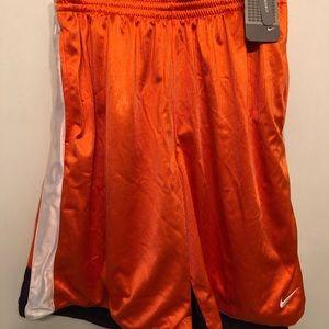 New NIKE reversible basketball shorts. XL